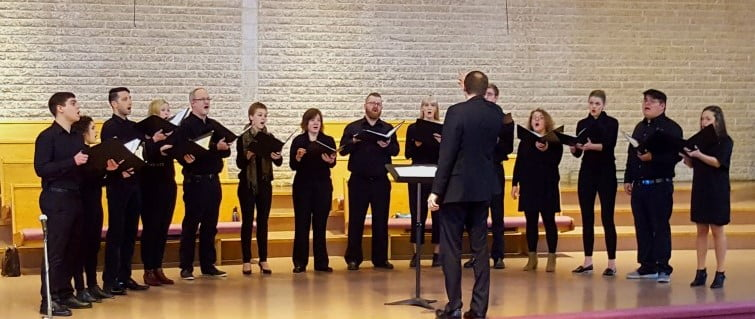 New Choir Performs in Steinbach